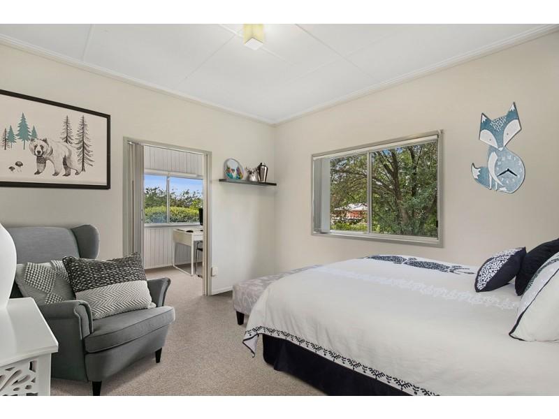 7 Victory Street, Newtown QLD 4350