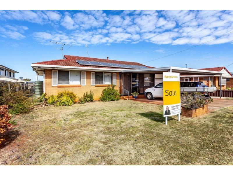 338 North Street, Wilsonton QLD 4350
