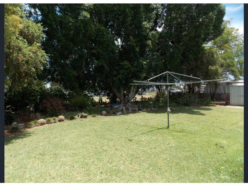 22 CLEMATIS ST, Blackall QLD 4472