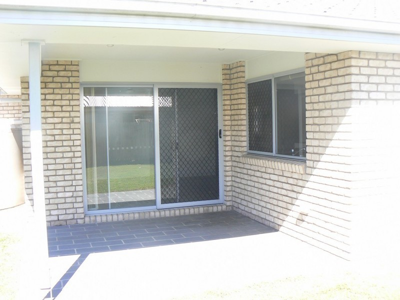 8 Lucy Street, Marsden QLD 4132