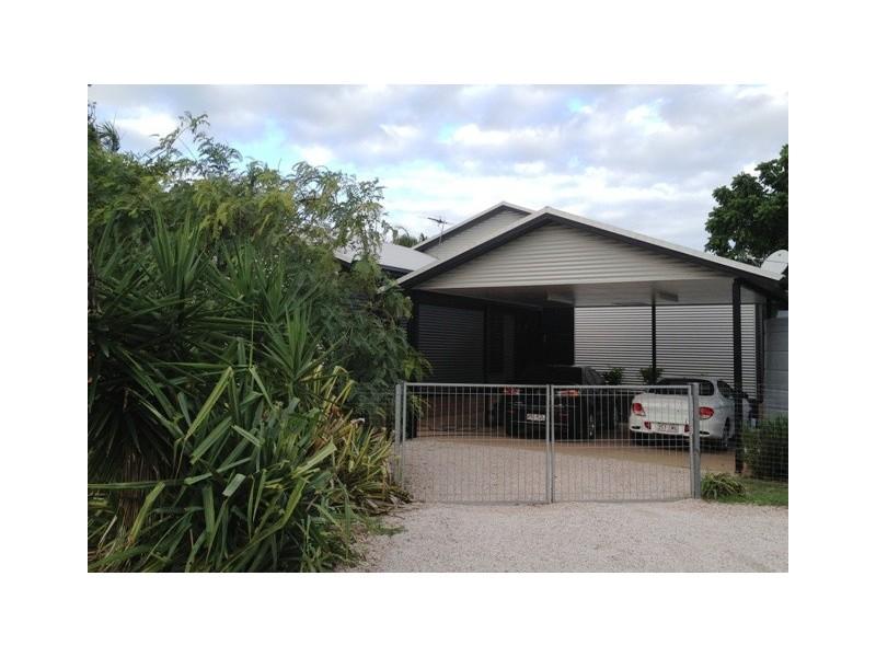 49 Topton St, Alva QLD 4807