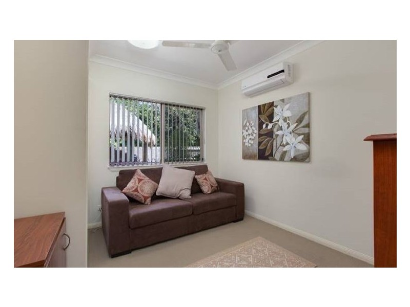 34 Altona Street, Bentley Park QLD 4869