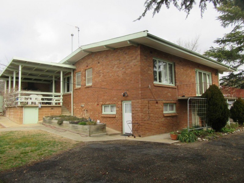 10 BLAIRGOWRIE AVENUE, Cooma NSW 2630