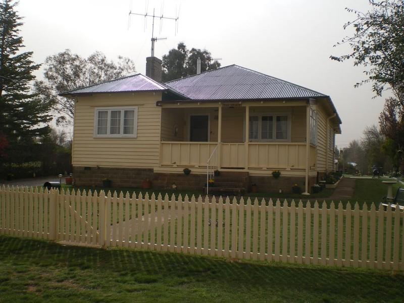 35 Druitt St, Adaminaby NSW 2629