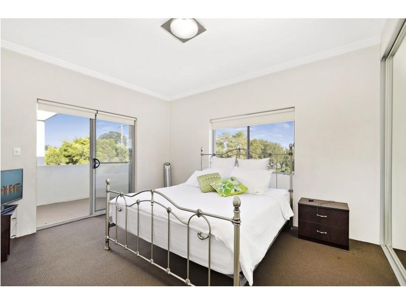 1/127 Old Kent Road, Greenacre NSW 2190