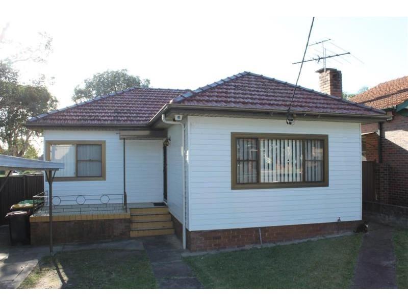 11 Seymour Parade, Belfield NSW 2191