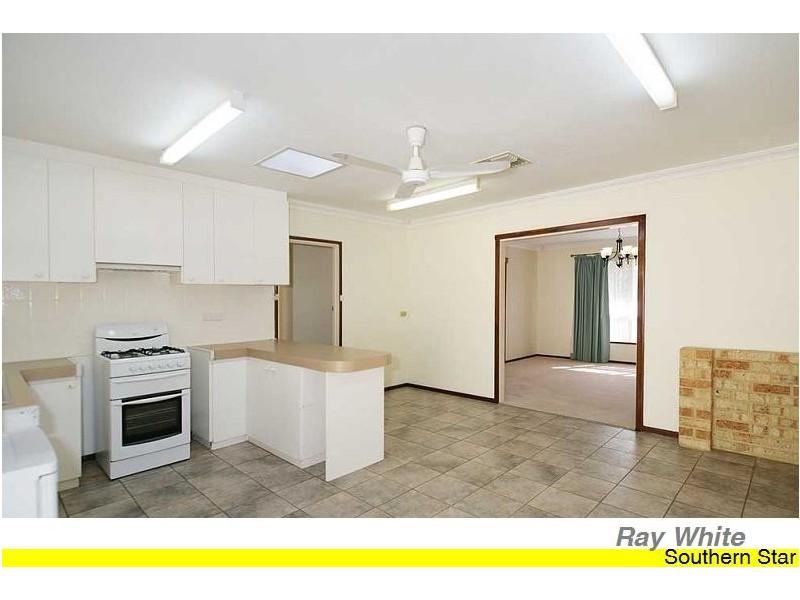 18 Banksia Road, Camillo WA 6111