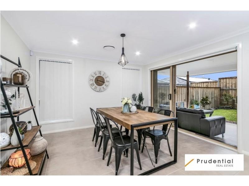 51 Arkley Ave, Claymore NSW 2559