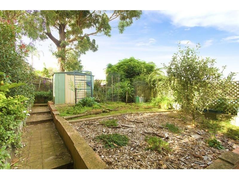 33 Barton Drive, Kiama Downs NSW 2533