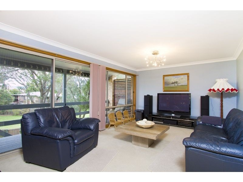 12 Barton Drive, Kiama Downs NSW 2533