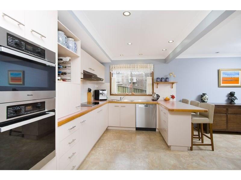 12 Barton Drive, Kiama Downs NSW 2533
