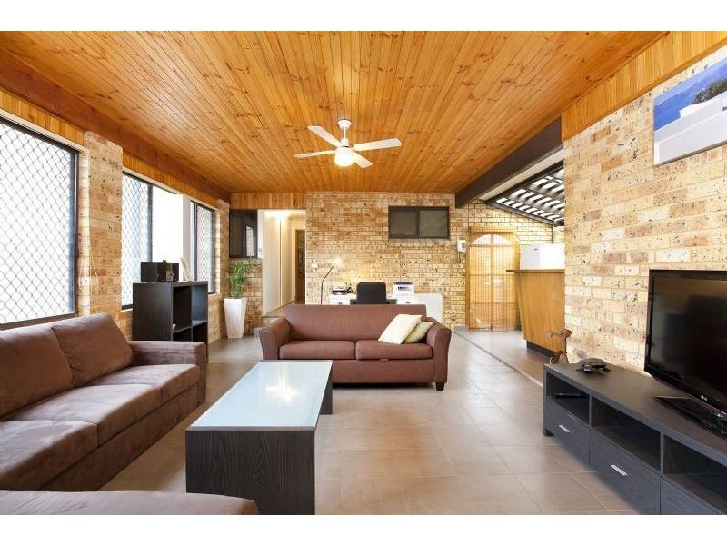 50 Barton Drive, Kiama Downs NSW 2533