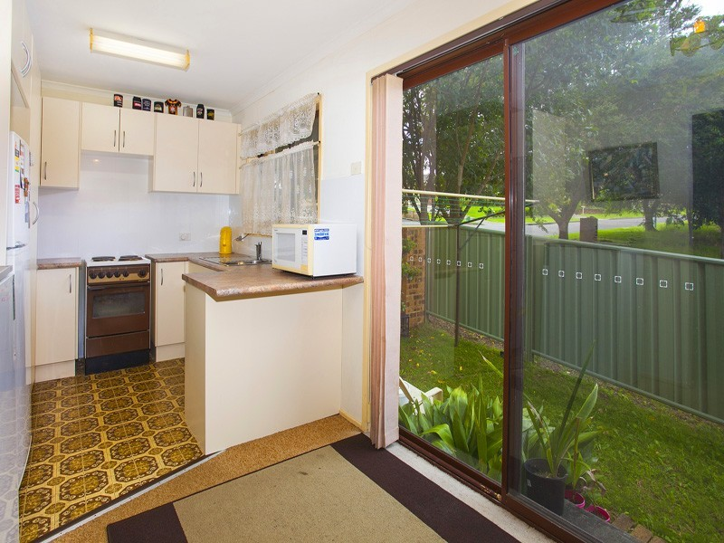 2/33 Tarrant Avenue, Kiama Downs NSW 2533