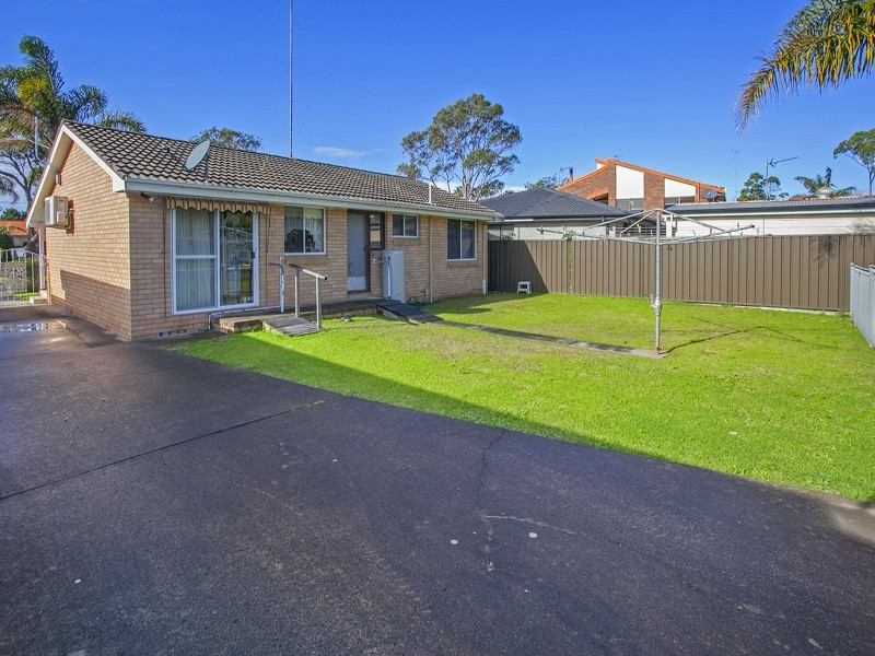 61 Kiarama Ave, Kiama Downs NSW 2533