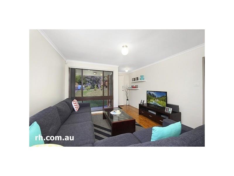 13 Katherine Crescent, Green Point NSW 2251