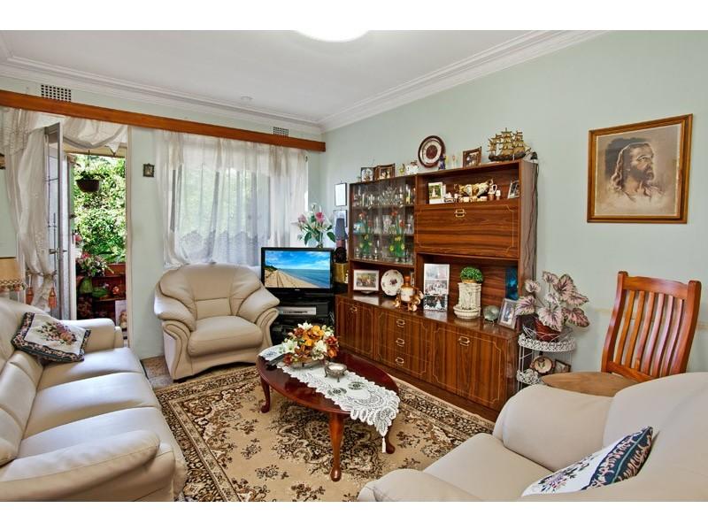 6/3 Sixth Avenue, Campsie NSW 2194