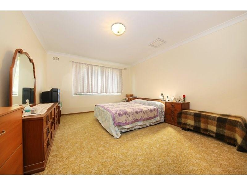 4/7 Loch Street, Campsie NSW 2194