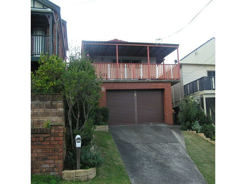18 Young St, Coledale NSW 2515