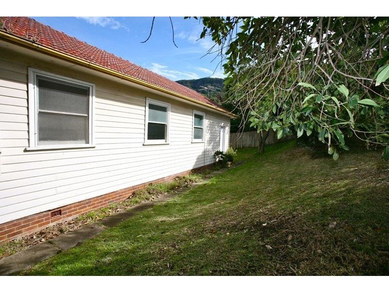 6 Young St, Coledale NSW 2515