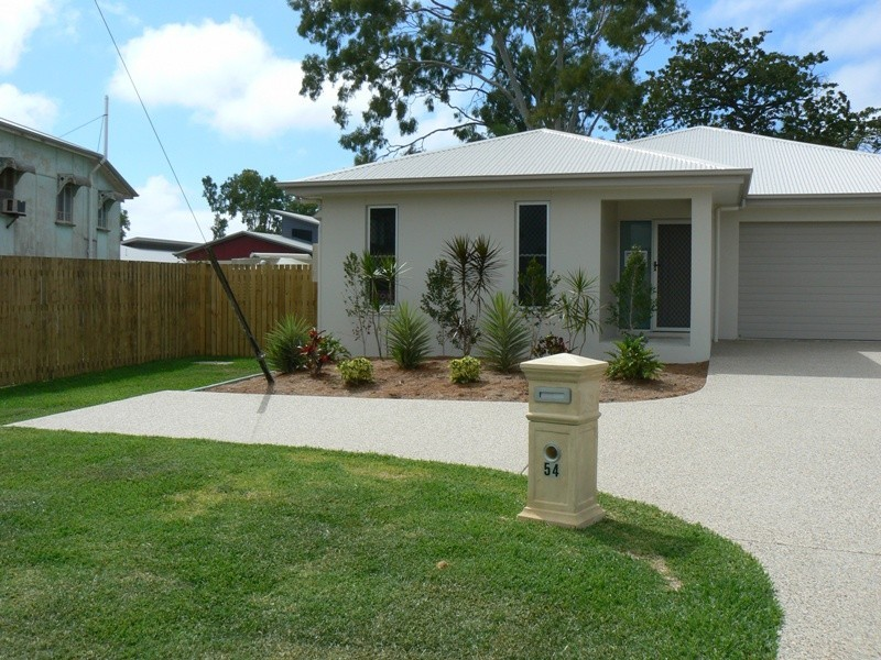 54 Bedford Road, Andergrove QLD 4740