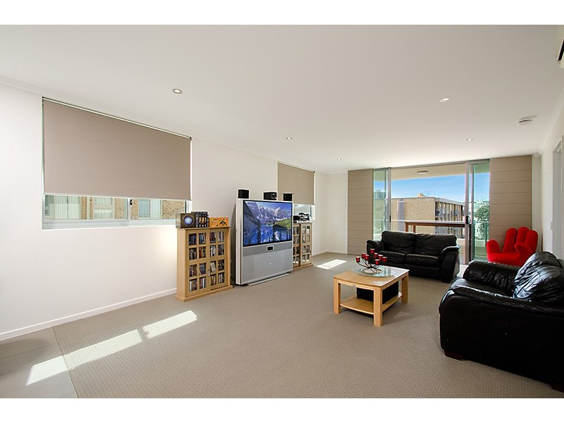 Unit 3 'Kings Palazzo', 4-6 Orvieto Terrace, Kings Beach QLD 4551
