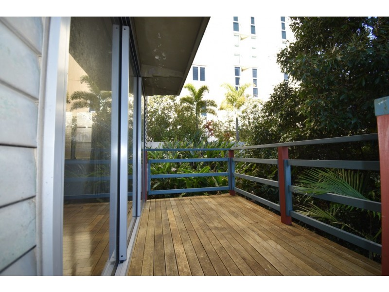 Unit 2/6 Queen Street, Kings Beach QLD 4551