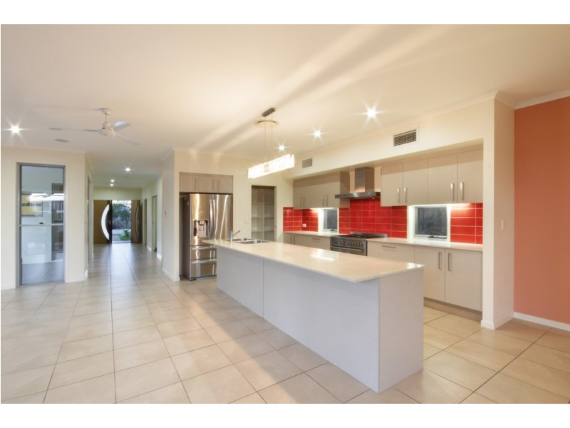 9 Abbey Court, Pelican Waters QLD 4551