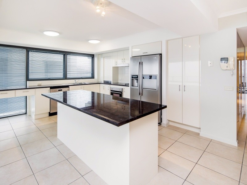 Unit 12 'Mahia Apartments' 24 Mahia Terrace, Kings Beach QLD 4551