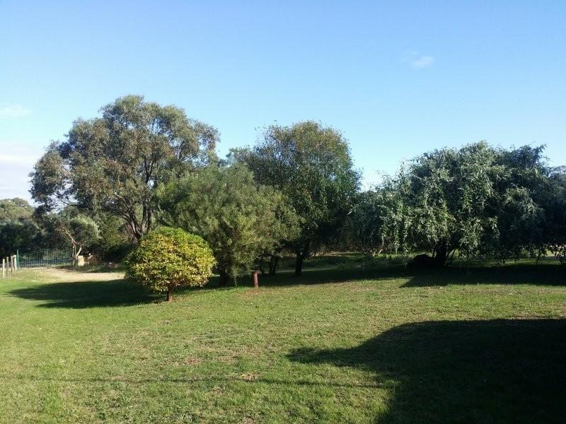 18 Trenant Park Gardens, Golden Bay WA 6174