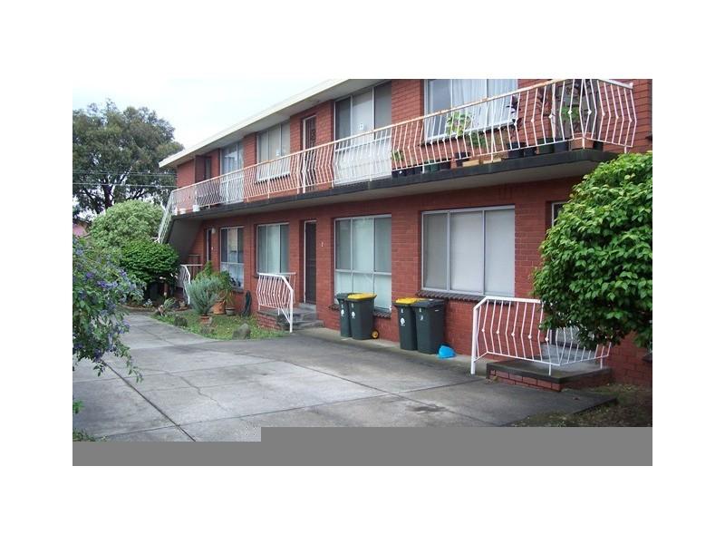 2/24 Mashoobra Street, Coburg North VIC 3058