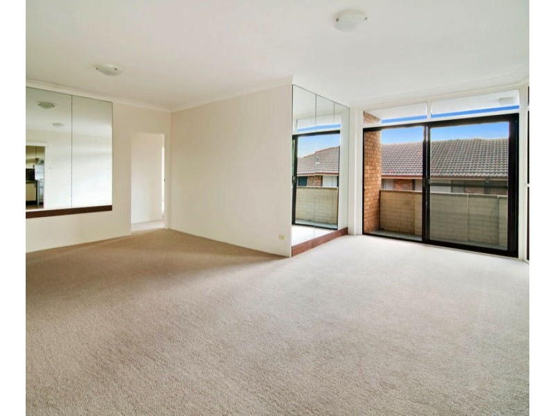 10/27  Walton Cres, Abbotsford NSW 2046
