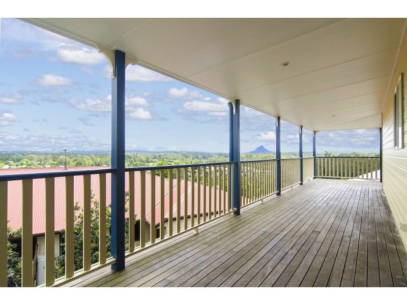 33 Kensington Drive, Cooroy QLD 4563