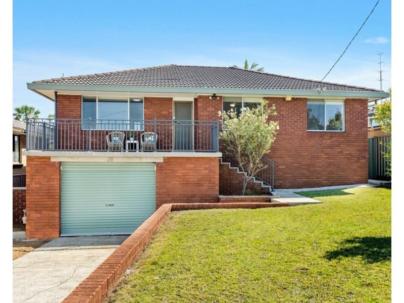 4 Wood Avenue, Mount Warrigal NSW 2528