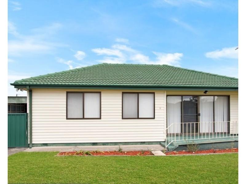 11 Elouera Street, Lake Illawarra NSW 2528