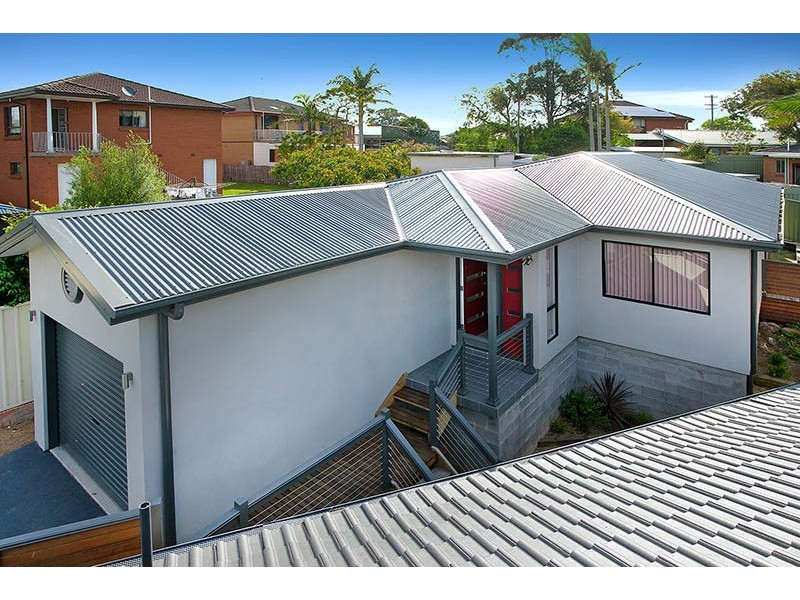 2/2 Bligh Place, Barrack Heights NSW 2528