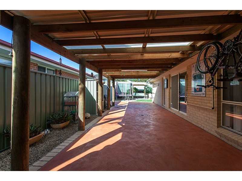 6 Moruya Link, Albion Park NSW 2527