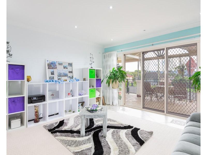 76 Queen Street, Lake Illawarra NSW 2528