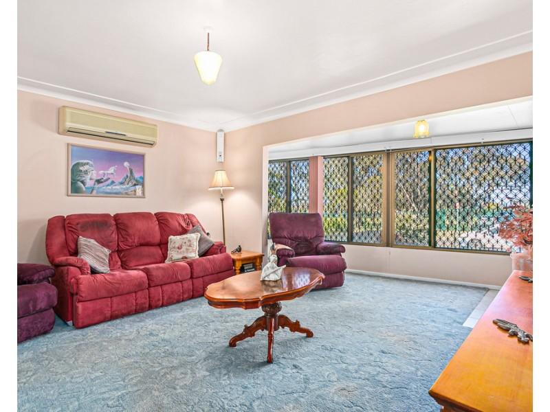 16 McCabe Street, Warilla NSW 2528