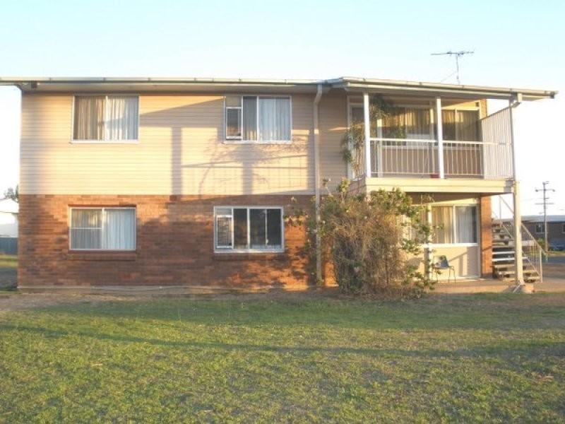 17 Acacia Street, Blackwater QLD 4717