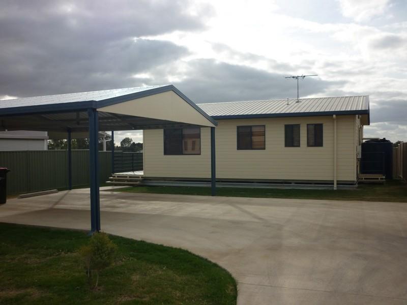 1b Summer Red Court, Blackwater QLD 4717