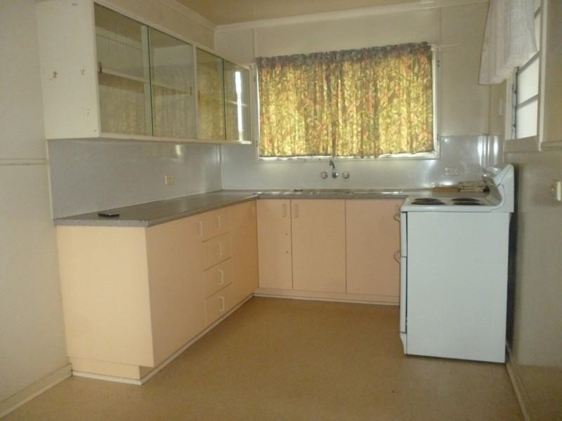 24 Sandalwood, Blackwater QLD 4717