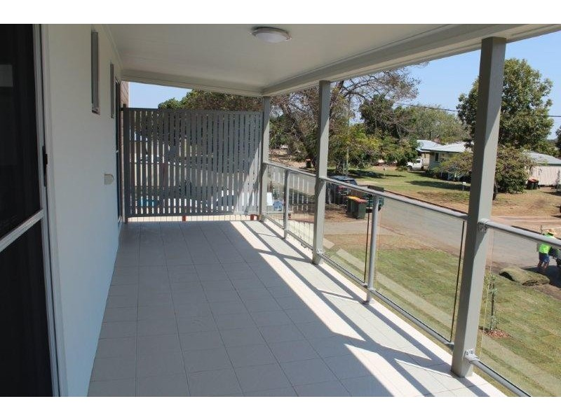 1 / 17-19 Sandalwood Street, Blackwater QLD 4717