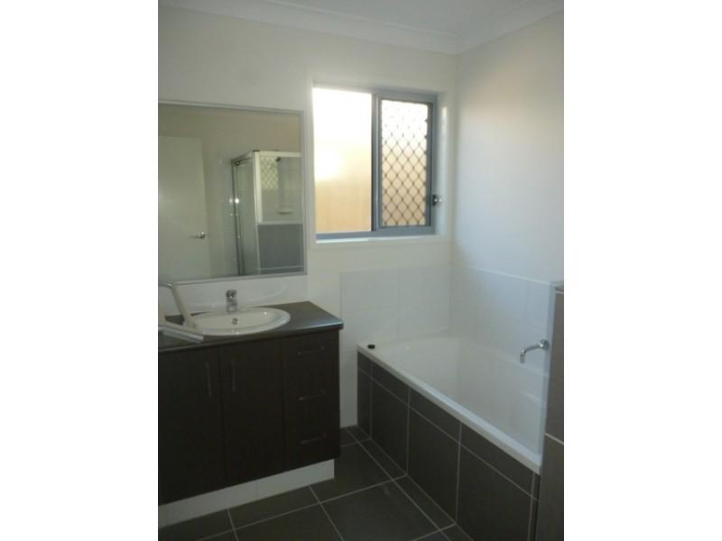8 Cordingly Street, Blackwater QLD 4717