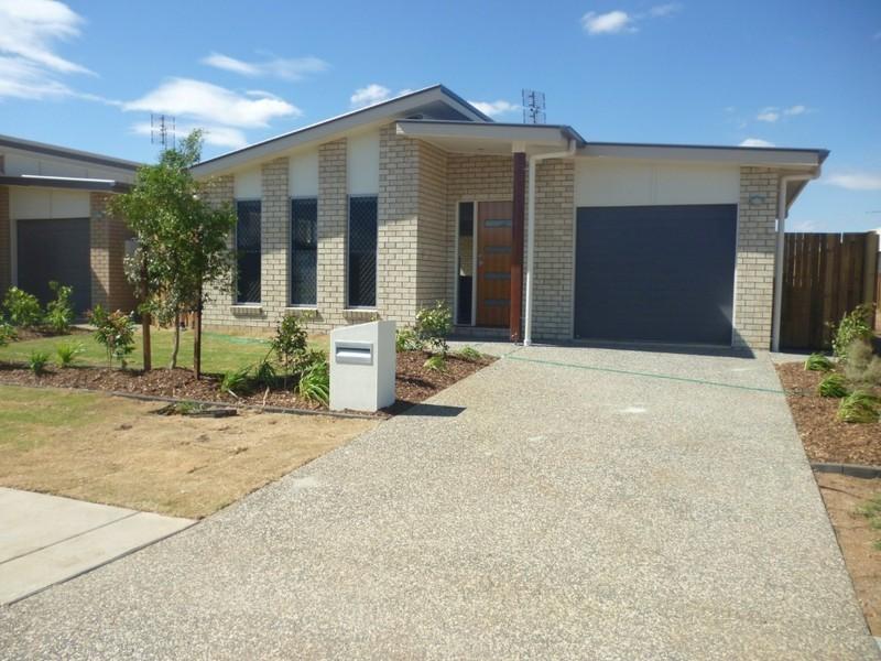 4 Penrose Circuit, Blackwater QLD 4717