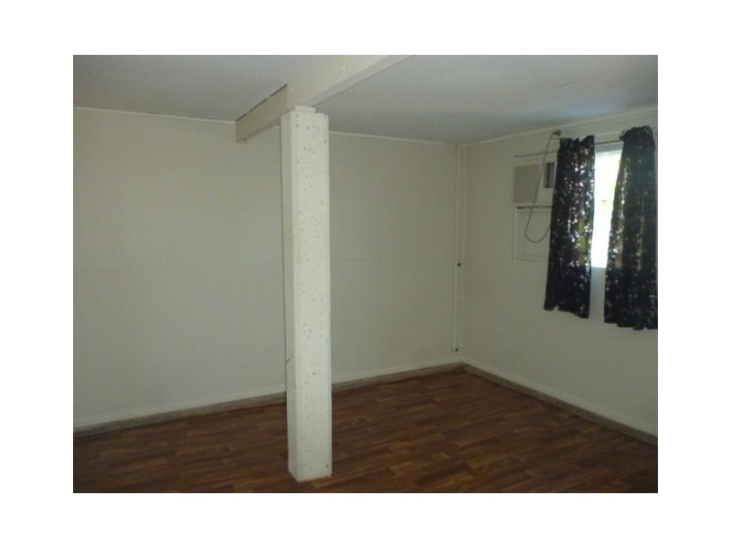 10 Cork Street, Blackwater QLD 4717