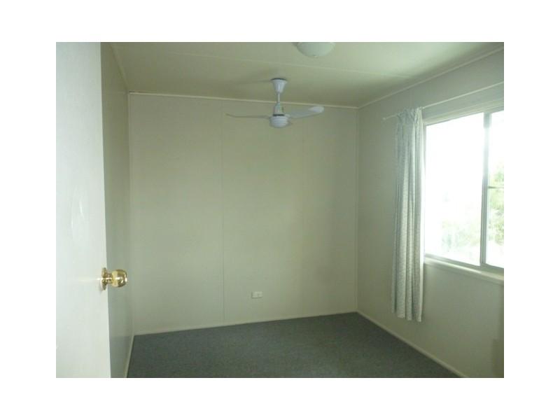 6 Monger Street, Blackwater QLD 4717