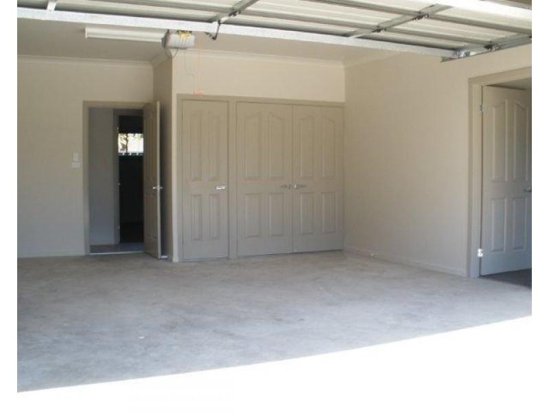 73 A and B Arthur Street, Blackwater QLD 4717