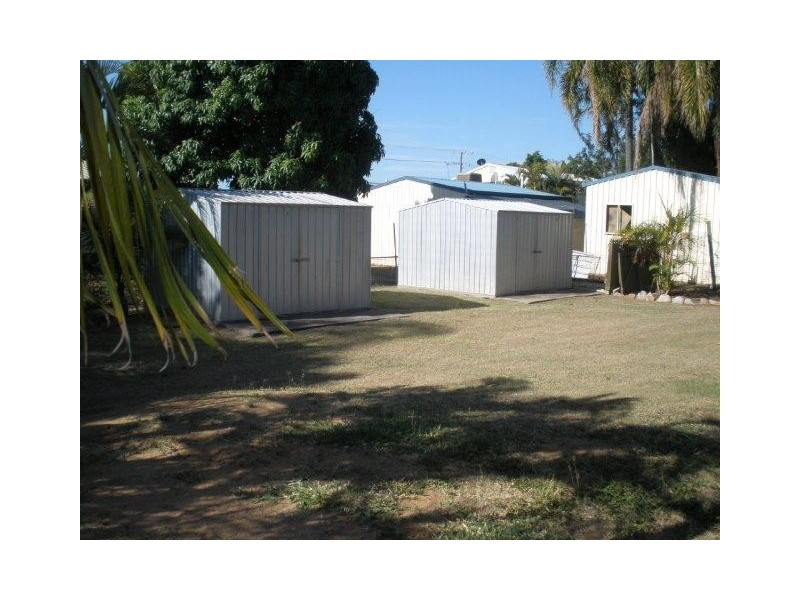 30 Birt Street, Blackwater QLD 4717