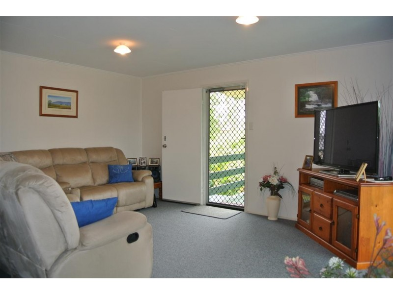 4 Bremner Street, Blackwater QLD 4717