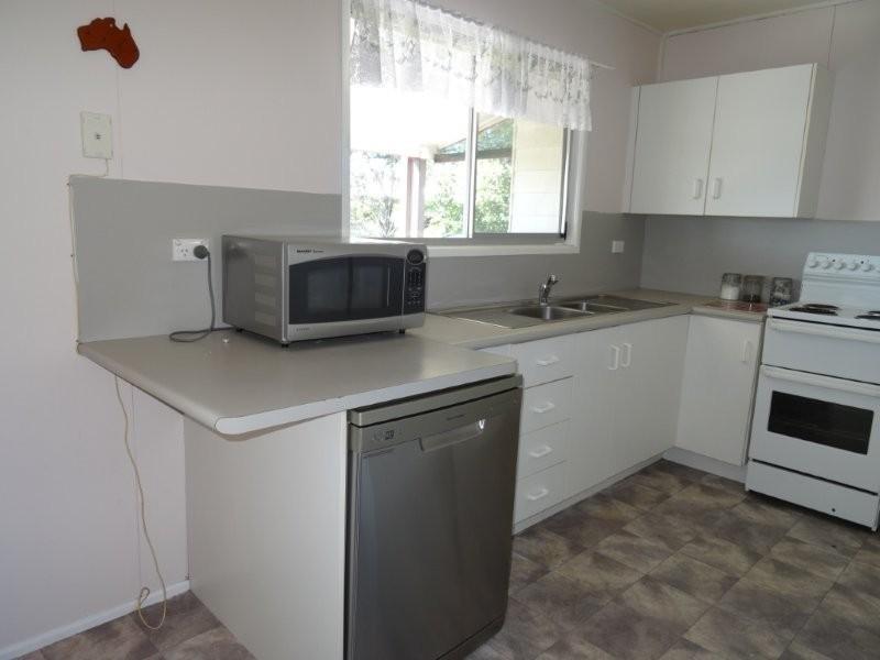 2 Monger Street, Blackwater QLD 4717